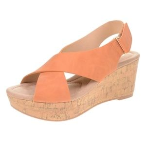 CLOSEOUT SALE!CL By Laundry Audrine Cross Wedge